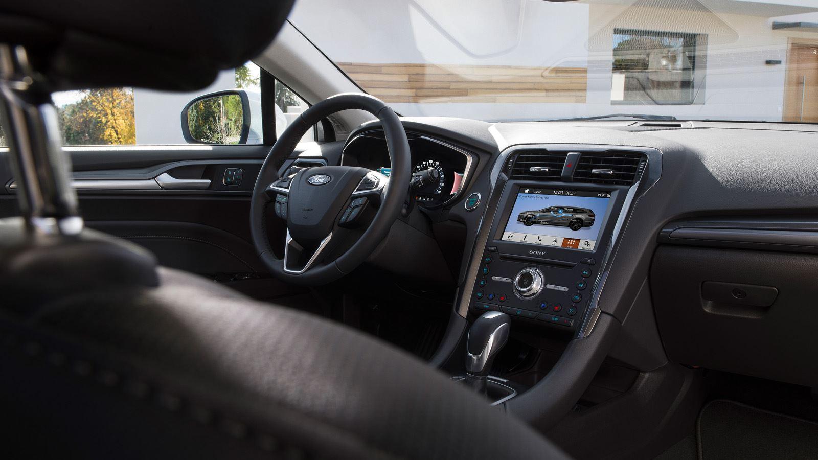 Ford Mondeo Hybrid Wagon interieurfoto2 1600x900px