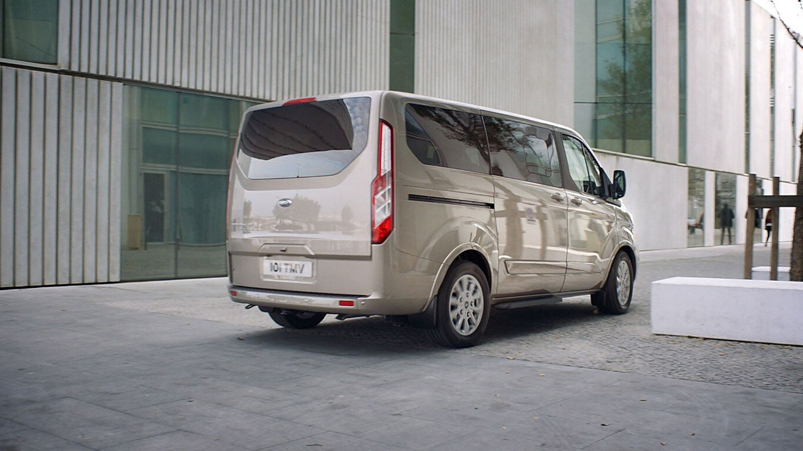 ford_tourneo_custom (2)