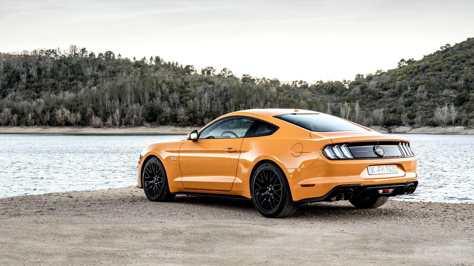 Ford Mustang de achterkant