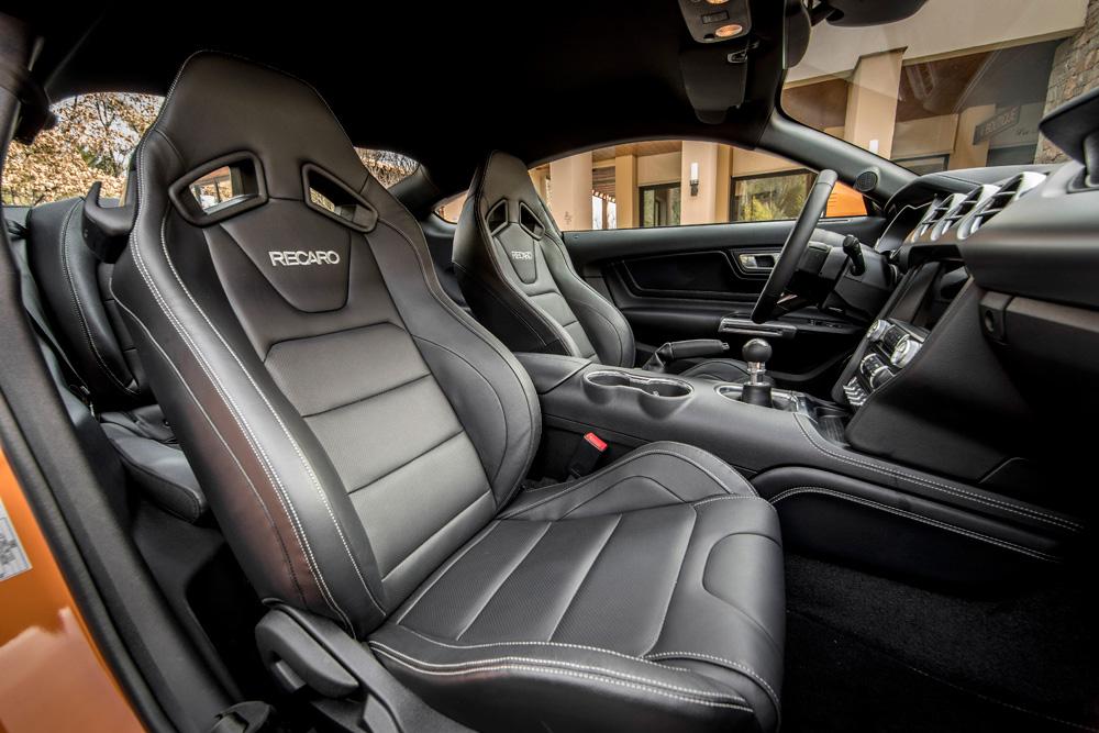 Ford-Mustang-de-stoelen