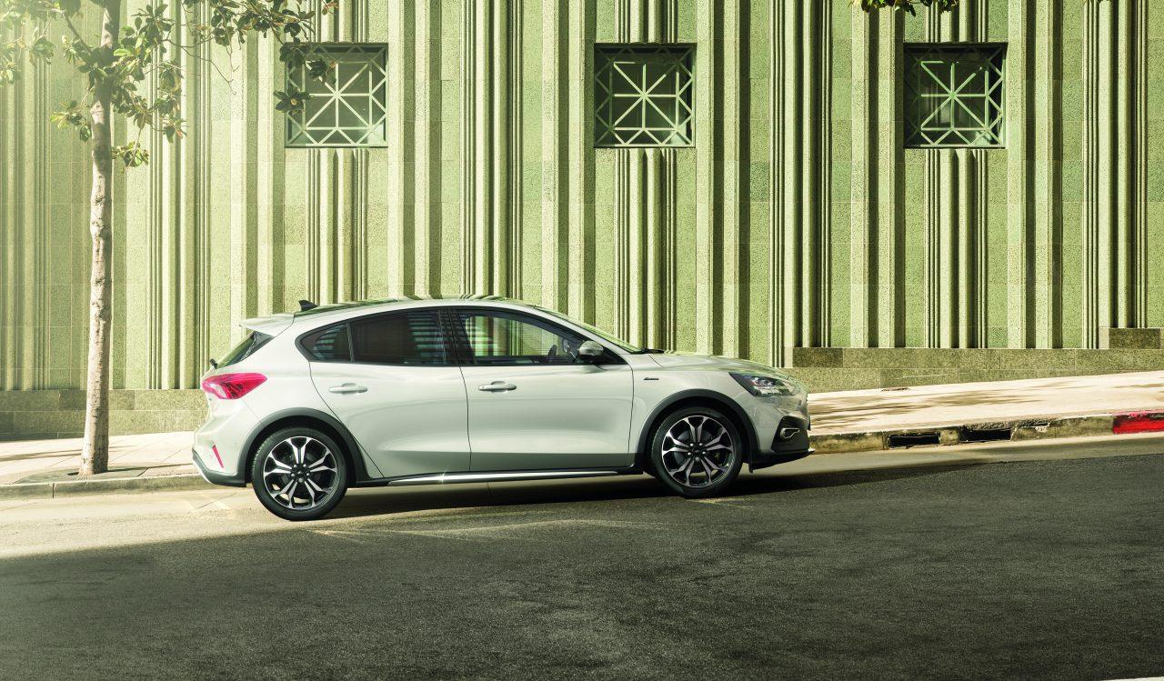 Ford-Focus-Hybrid-5 deurs