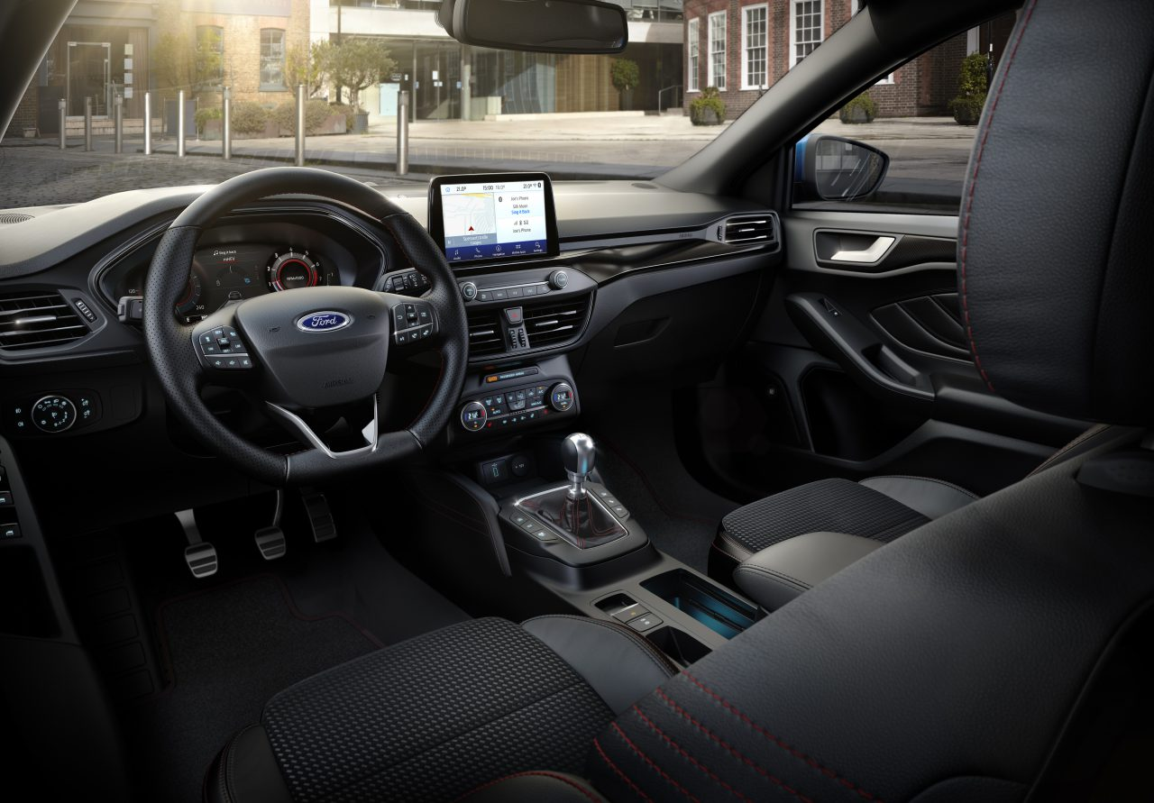 Ford-Focus-Hybrid-interieur