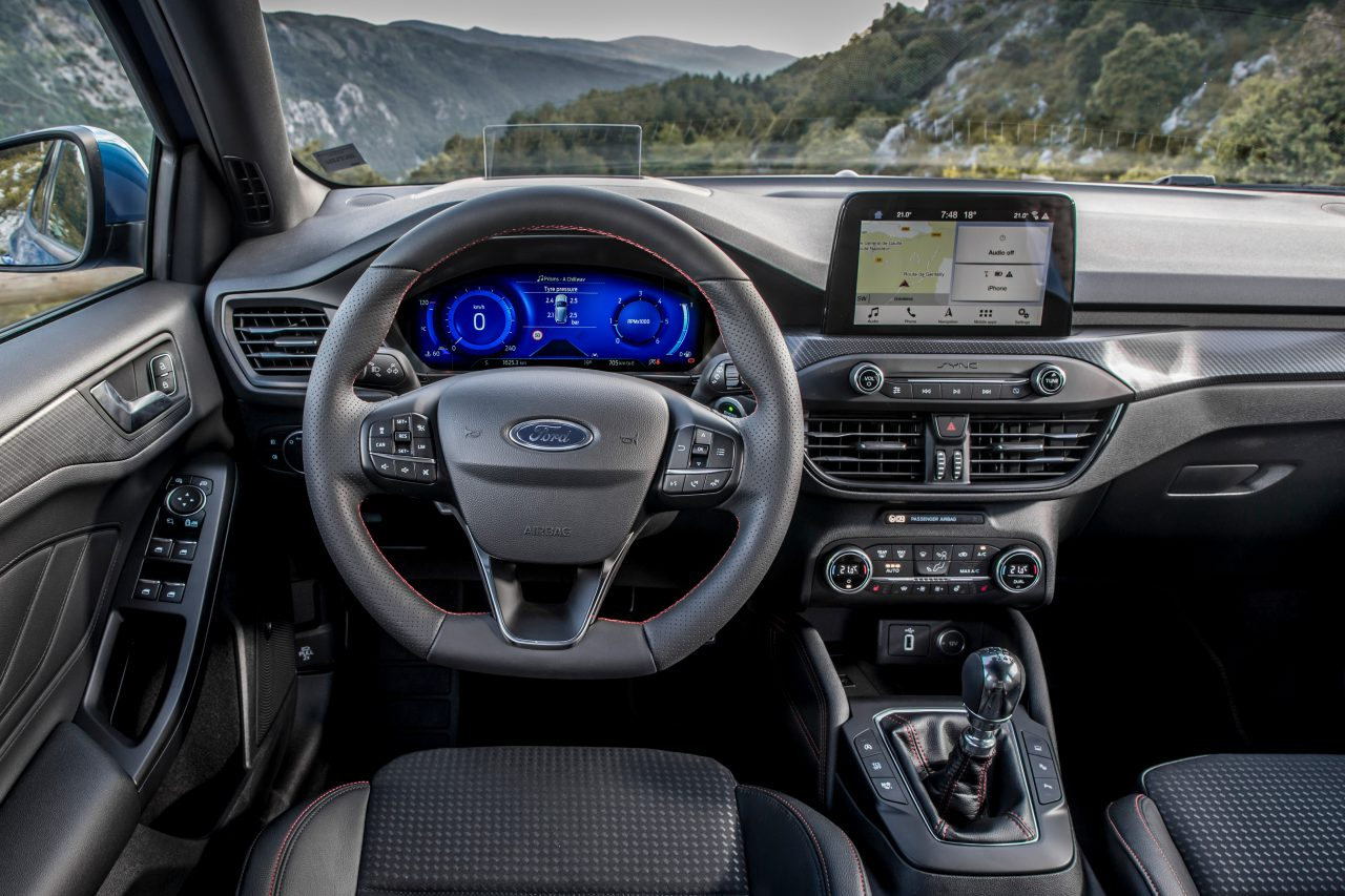 Ford-Focus-Hybrid-stuur