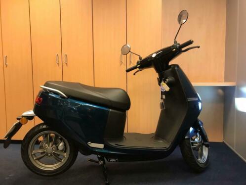 Ecooter E2 30Ah elektrische scooter snorfiets 25 km/u blauw